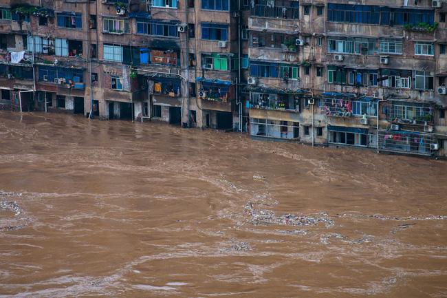 Những hình ảnh đáng sợ về cơn đại hồng thủy ở miền Nam Trung Quốc gây ra bởi những cơn mưa dai dẳng kéo dài hơn 30 ngày-2