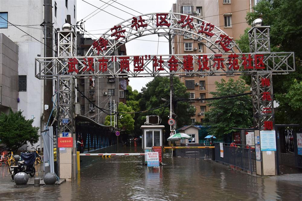 Những hình ảnh đáng sợ về cơn đại hồng thủy ở miền Nam Trung Quốc gây ra bởi những cơn mưa dai dẳng kéo dài hơn 30 ngày-12