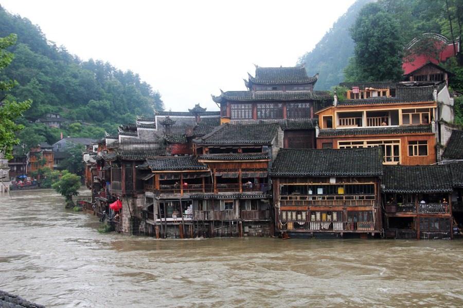 Những hình ảnh đáng sợ về cơn đại hồng thủy ở miền Nam Trung Quốc gây ra bởi những cơn mưa dai dẳng kéo dài hơn 30 ngày-8