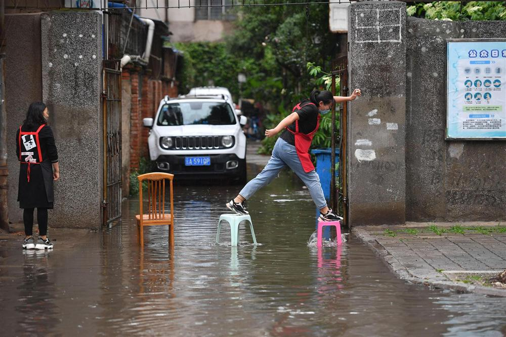 Những hình ảnh đáng sợ về cơn đại hồng thủy ở miền Nam Trung Quốc gây ra bởi những cơn mưa dai dẳng kéo dài hơn 30 ngày-9