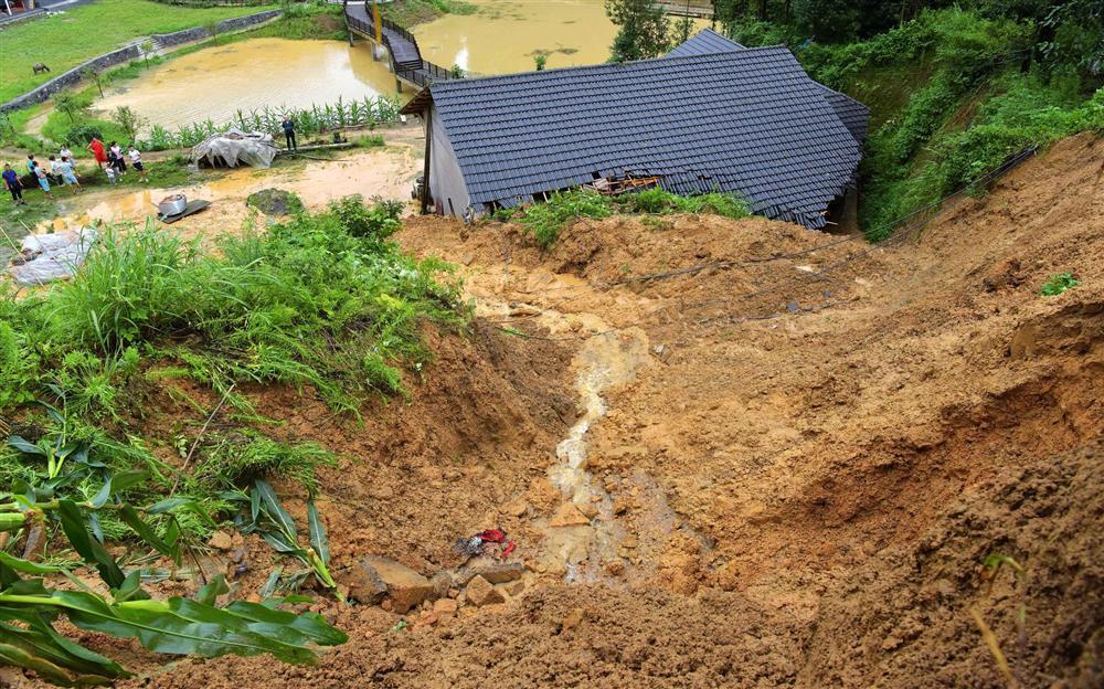 Những hình ảnh đáng sợ về cơn đại hồng thủy ở miền Nam Trung Quốc gây ra bởi những cơn mưa dai dẳng kéo dài hơn 30 ngày-22