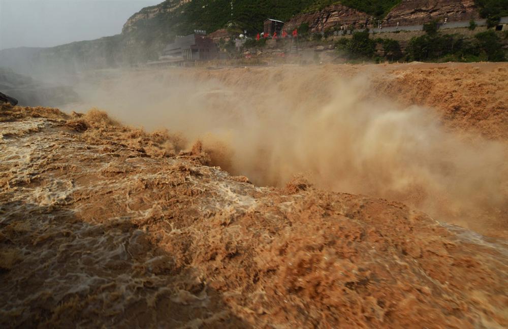 Những hình ảnh đáng sợ về cơn đại hồng thủy ở miền Nam Trung Quốc gây ra bởi những cơn mưa dai dẳng kéo dài hơn 30 ngày-32