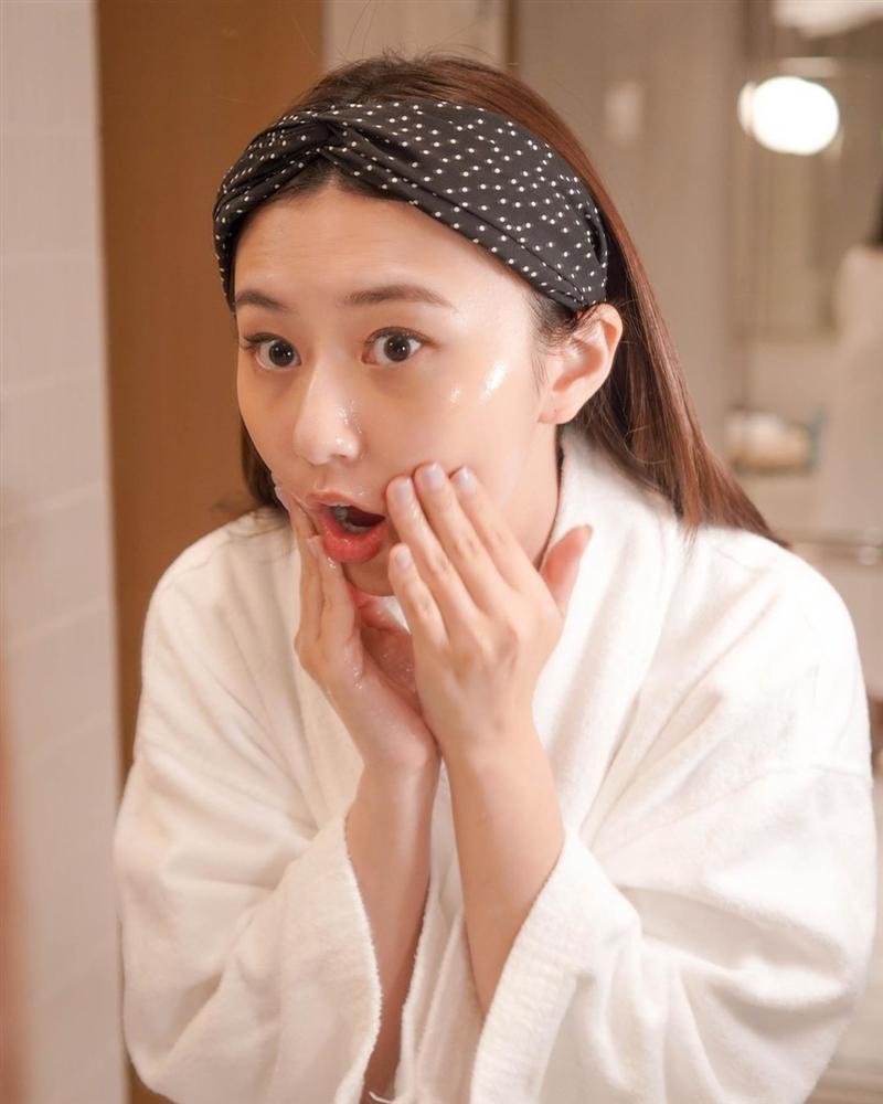 4 lỗi skincare tày trời khiến làn da của bạn lão hóa nhanh chóng, vết nhăn và thâm nám tùm lum-1