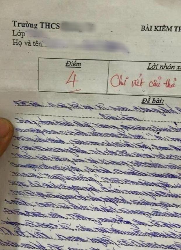 Làm bài kiểm tra Văn nhưng chữ xấu ngả nghiêng, cô giáo phê cực gắt khiến cậu học trò phải tự thấy nhột-1