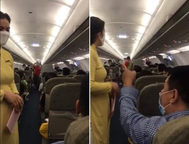 Người nói can ngăn vụ gây rối trên máy bay bị cấm bay 1 năm-1