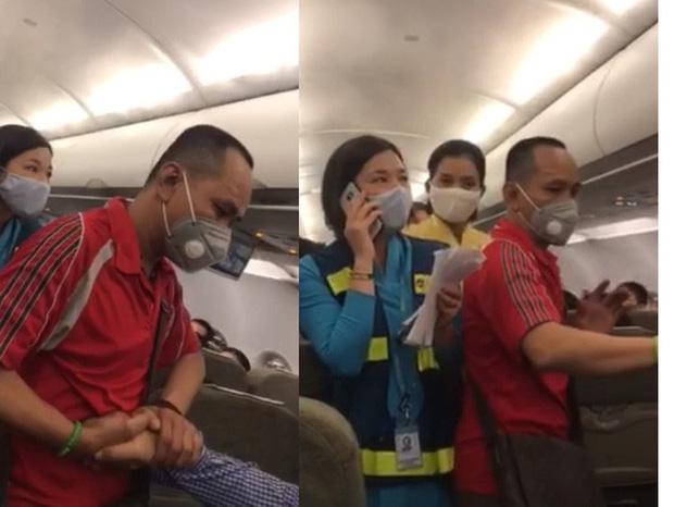 Người nói can ngăn vụ gây rối trên máy bay bị cấm bay 1 năm-2