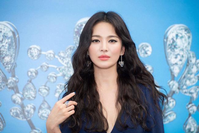 Bạn thân để lộ bí mật giúp Song Hye Kyo có thể đối mặt với mọi sự chỉ trích từ vụ ly hôn Song Joong Ki?-3
