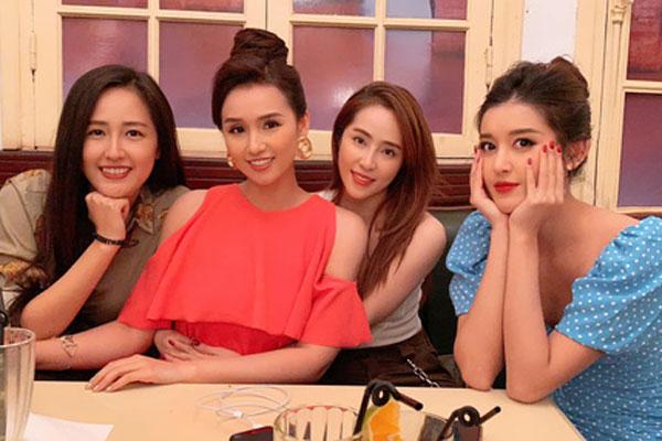Huyền My gia nhập hội bạn Mai Phương Thuý, Quỳnh Nga và toàn sao đình đám