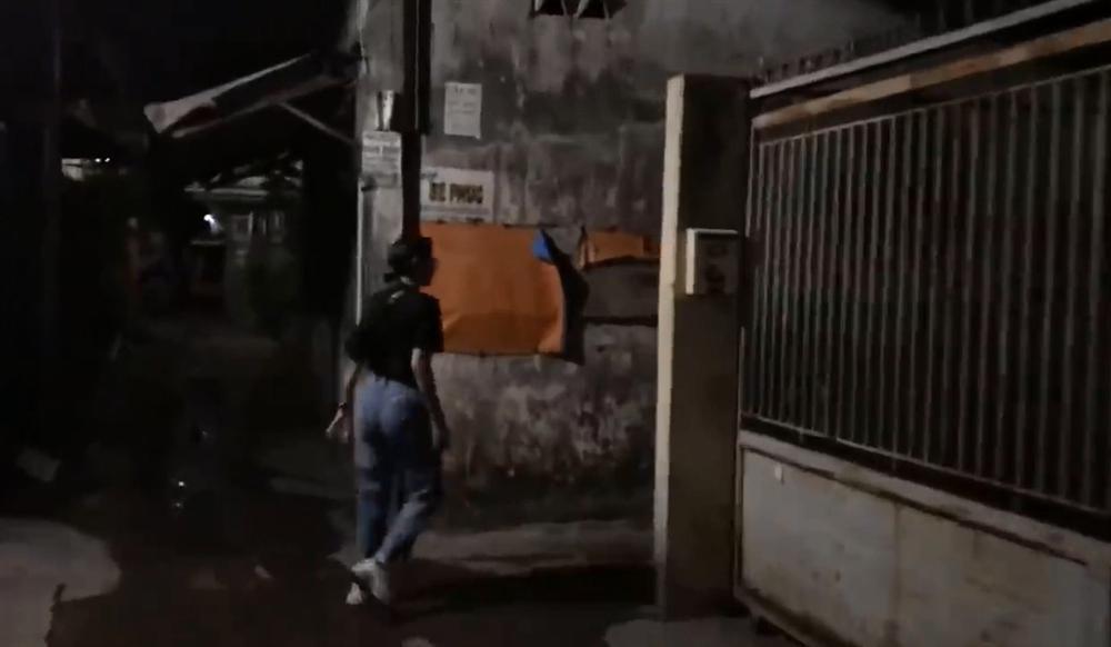 Nửa đêm hiu hắt, Trang Trần điều quân đổ bộ Biên Hòa đánh anti-fan trung niên-6
