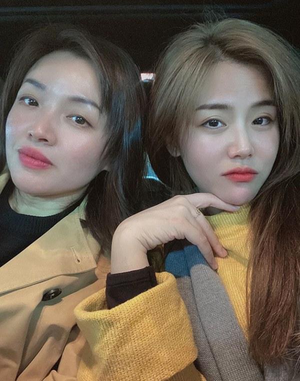 Em gái mỹ nhân của Ông Cao Thắng bất ngờ chia sẻ ảnh chụp cùng chị gái kín tiếng, nhan sắc người chị ruột khiến ai cũng trầm trồ-3
