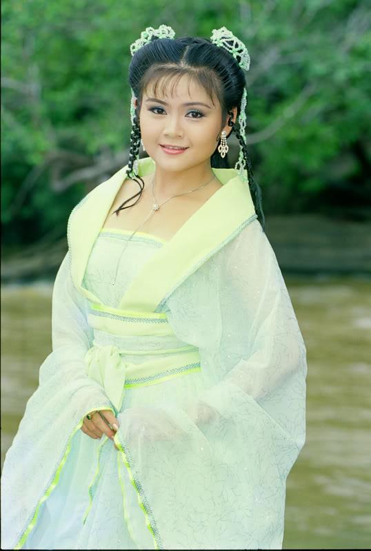 Nhan sắc vợ 3 được Kim Tử Long yêu chiều hết mực, chỉ cần thích là mua tặng ngay xe hơi-5