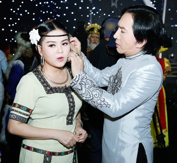 Nhan sắc vợ 3 được Kim Tử Long yêu chiều hết mực, chỉ cần thích là mua tặng ngay xe hơi-11