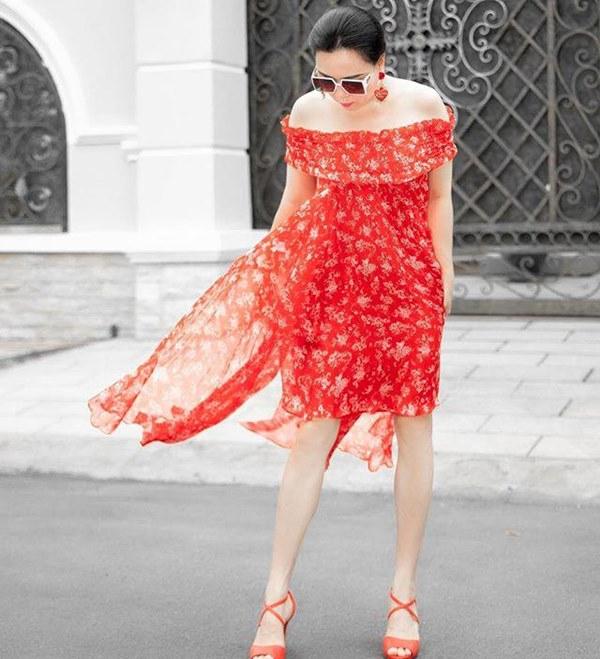 Bất chấp thân hình mũm mĩm, Phượng Chanel vẫn đam mê diện áo bẹt vai, hoá ra là có chiêu-3
