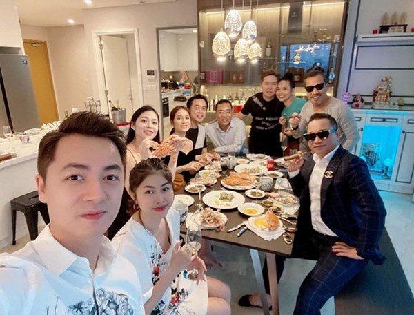 Căn hộ mới tậu của ca sĩ Lê Hiếu sang chảnh như khách sạn năm sao-3