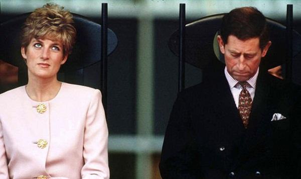 Ngay khi hạ sinh Hoàng tử Harry, Công nương Diana đã nhận ra cuộc hôn nhân toàn bi kịch của mình sẽ tan vỡ không sớm thì muộn?-3
