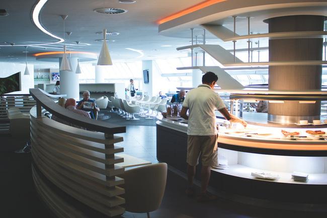 Sự thật về những bữa buffet sáng miễn phí ở khách sạn, tưởng được ăn không nhưng có khi phải trả tiền gấp 2-3 lần-1