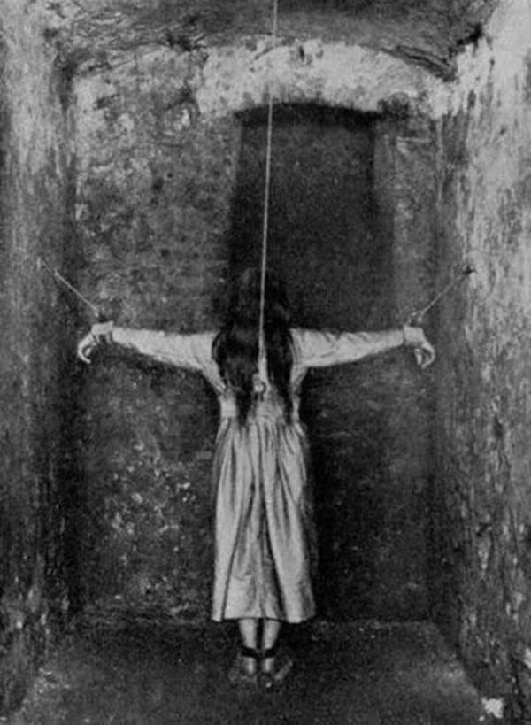 10 ngày địa ngục trong bệnh viện tâm thần của nữ nhà báo: Bệnh nhân bị đối xử tàn bạo, người tỉnh táo sớm muộn cũng hóa điên-4