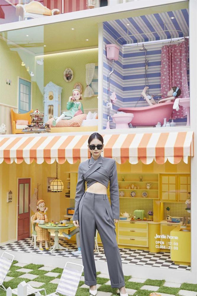 """Bộ suit Jennie"""" đi đâu cũng gặp ở Vbiz lúc này: Lan Ngọc, Tóc Tiên đều diện, riêng MLee sao y bản chính cả kiểu tóc-1"""