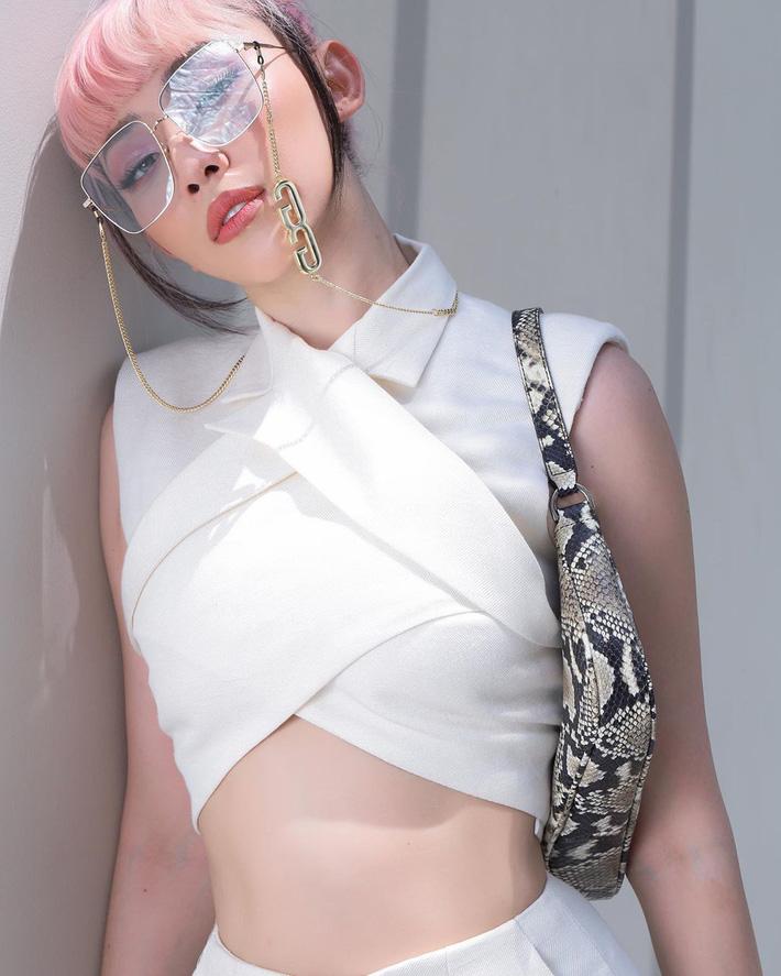 """Bộ suit Jennie"""" đi đâu cũng gặp ở Vbiz lúc này: Lan Ngọc, Tóc Tiên đều diện, riêng MLee sao y bản chính cả kiểu tóc-4"""
