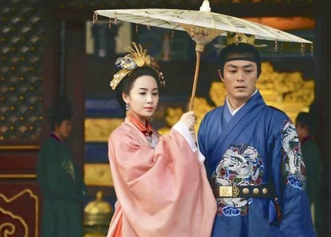 Vị Hoàng đế Trung Hoa có cuộc sống hôn nhân cực lạ: Suốt đời một vợ một chồng bởi lý do đằng sau u ám đến cực điểm-4
