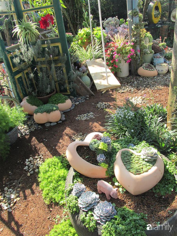 Chỉ tốn hơn 1 triệu đồng, mẹ trẻ biến hình mảnh đất nhỏ trở thành khu vườn trồng xương rồng, sen đá đẹp mê mẩn ở Đà Lạt-9