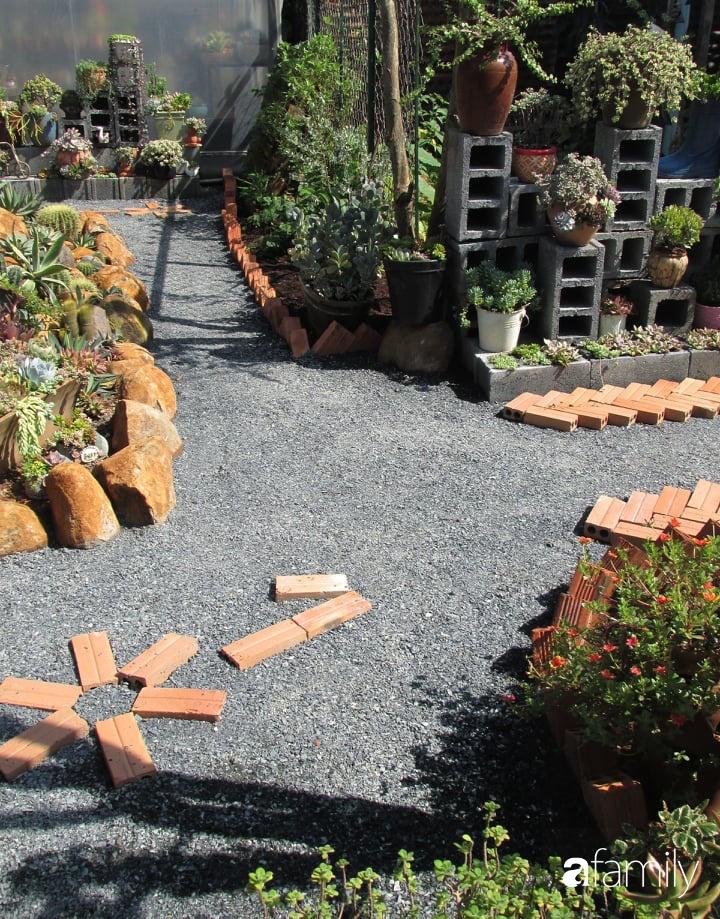 Chỉ tốn hơn 1 triệu đồng, mẹ trẻ biến hình mảnh đất nhỏ trở thành khu vườn trồng xương rồng, sen đá đẹp mê mẩn ở Đà Lạt-13