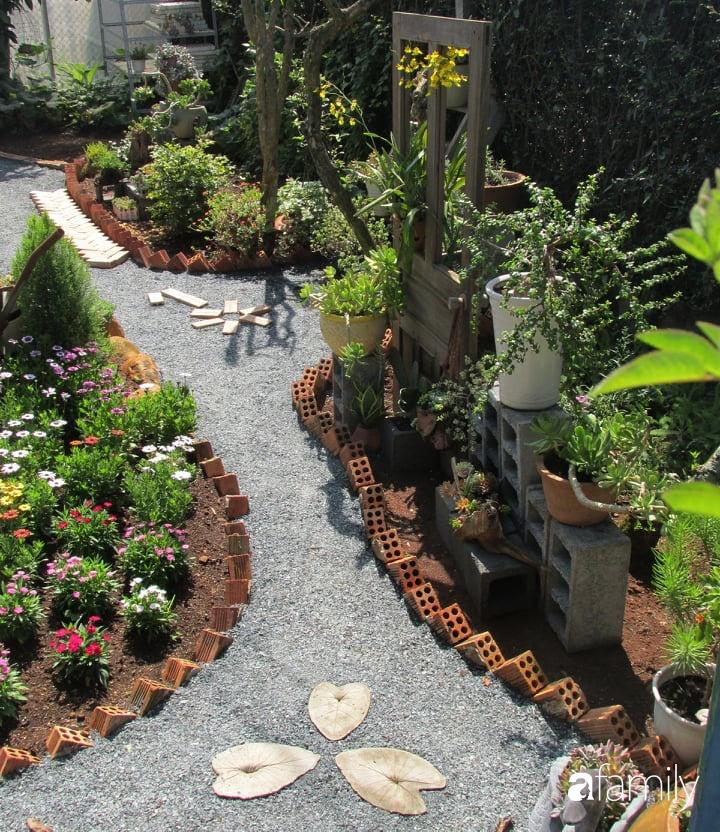 Chỉ tốn hơn 1 triệu đồng, mẹ trẻ biến hình mảnh đất nhỏ trở thành khu vườn trồng xương rồng, sen đá đẹp mê mẩn ở Đà Lạt-21