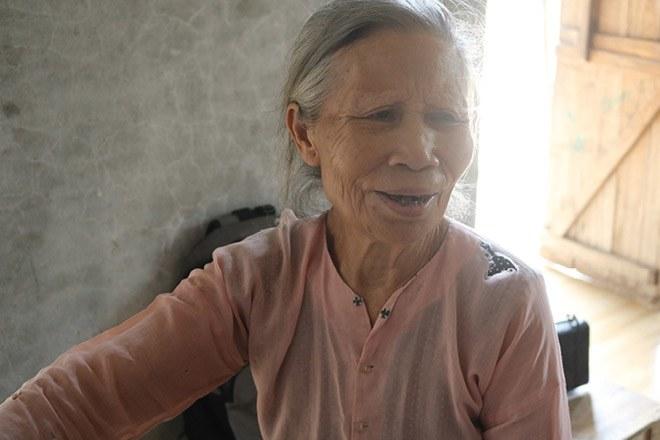Tận cùng khốn khổ cảnh bà ngoại gần 80 tuổi nuôi đàn cháu mồ côi cha mẹ-5