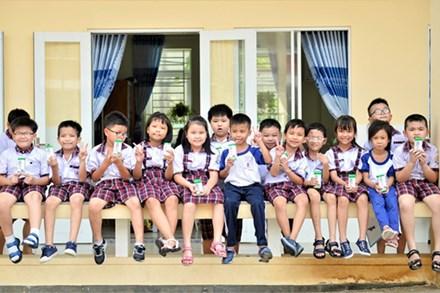 Cùng chương trình Sữa học đường TP.HCM mang đến niềm vui cho trẻ em