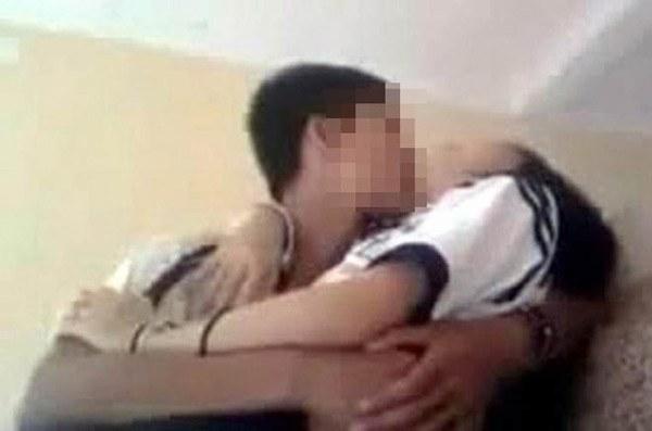 Bé 13 tuổi bị 4 thanh niên thay nhau hiếp dâm rồi quay clip nóng ở Hải Dương-1