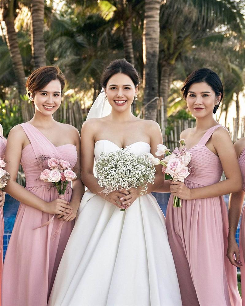 Phanh Lee tung thêm ảnh trong đám cưới với thiếu gia Cocobay, vòng 1 khủng của cô dâu trở thành tâm điểm-4