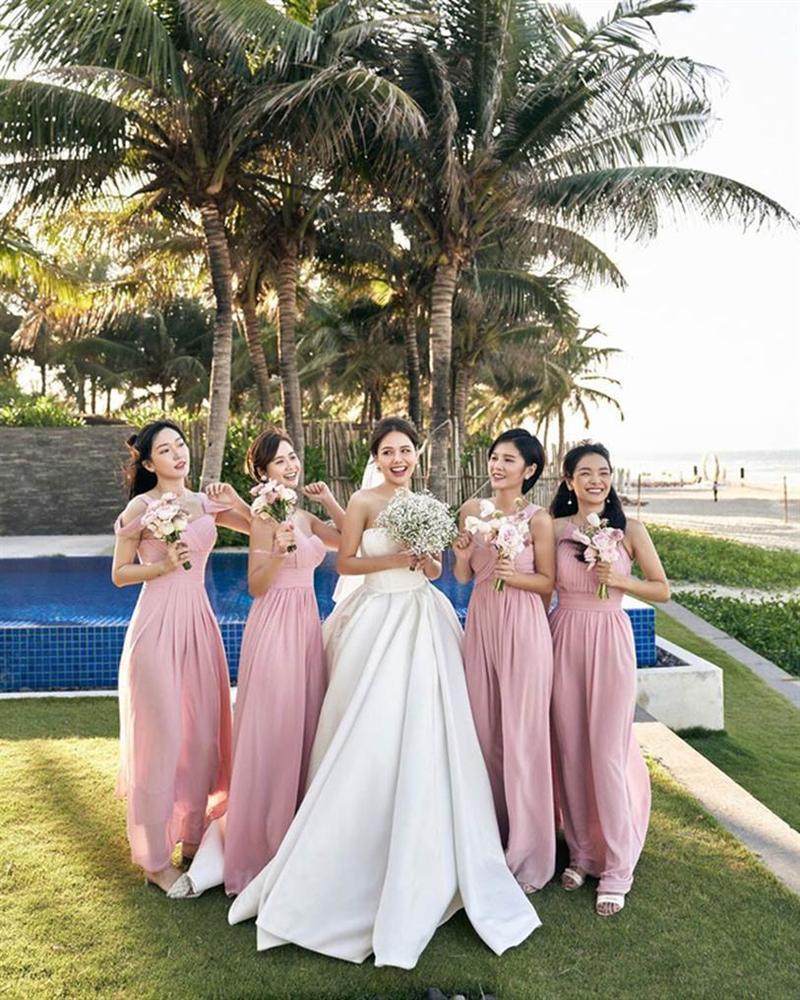 Phanh Lee tung thêm ảnh trong đám cưới với thiếu gia Cocobay, vòng 1 khủng của cô dâu trở thành tâm điểm-6