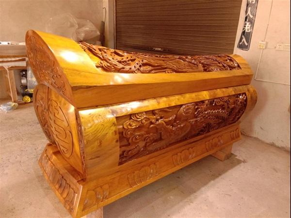 Cỗ quan tài gần 24 tỷ của Vua sòng bài Macau: Được làm từ loại gỗ đặc biệt thế nào khi chỉ có Hoàng đế ngày xưa mới được sử dụng?-5