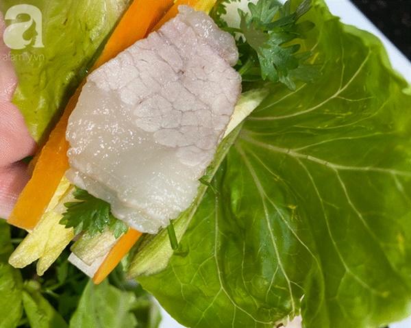 Ngày nắng nóng hụt hơi không muốn ăn cơm thì làm ngay món cuốn này vừa dễ ăn lại giảm cân-5