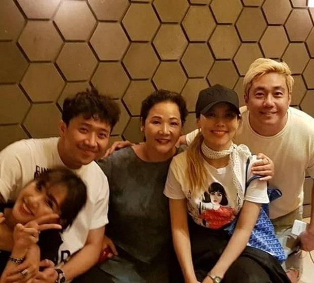 Làm rể Hàn Quốc 4 năm nhưng Trấn Thành nhất quyết không gọi mẹ Hari Won là mẹ vợ, lý do vì sao?-3