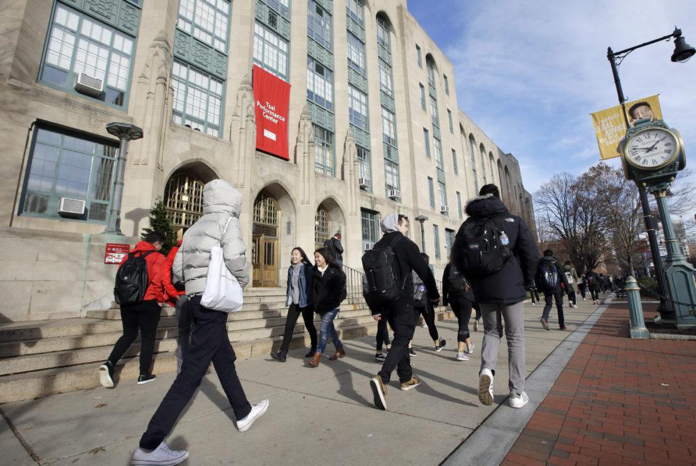 Bộ Ngoại giao Mỹ lên tiếng vụ du học sinh có nguy cơ bị trục xuất-1