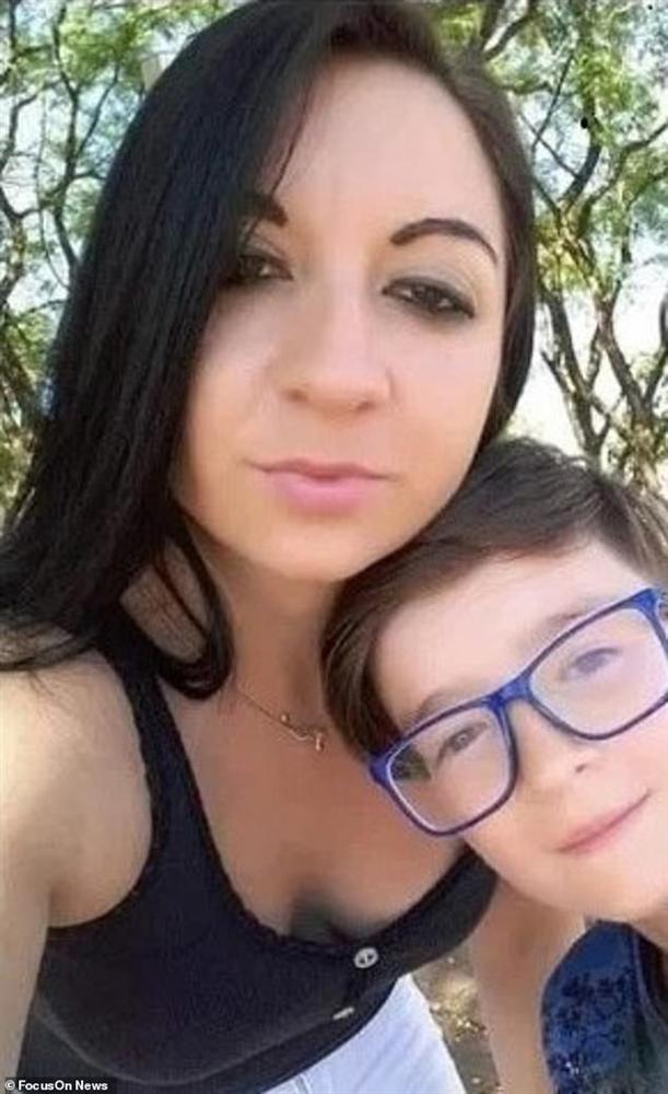 Dán mắt vào điện thoại bất kể ngày đêm, con trai bị mẹ giết chết, đoạn clip cuối đời của em dành cho kẻ thủ ác gây xúc động-1