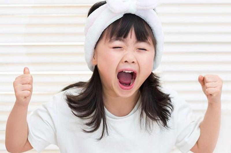Giúp con bạn xử lý khủng hoảng khi bố mẹ trót thất hứa chỉ trong vòng một nốt nhạc, bé ngoan ngoãn, hợp tác bất ngờ-1