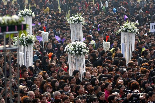 Đám tang của đại gia Trung Quốc: Chi hơn 16 tỷ đồng tổ chức tang lễ xa xỉ và câu chuyện người giàu phô trương thân thế địa vị-4