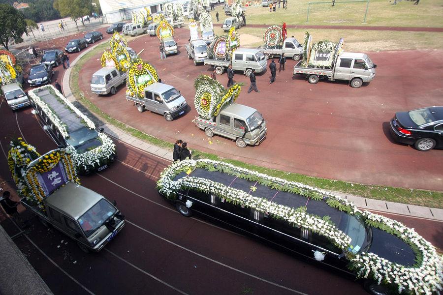 Đám tang của đại gia Trung Quốc: Chi hơn 16 tỷ đồng tổ chức tang lễ xa xỉ và câu chuyện người giàu phô trương thân thế địa vị-5