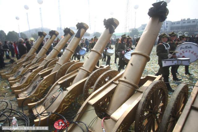Đám tang của đại gia Trung Quốc: Chi hơn 16 tỷ đồng tổ chức tang lễ xa xỉ và câu chuyện người giàu phô trương thân thế địa vị-10
