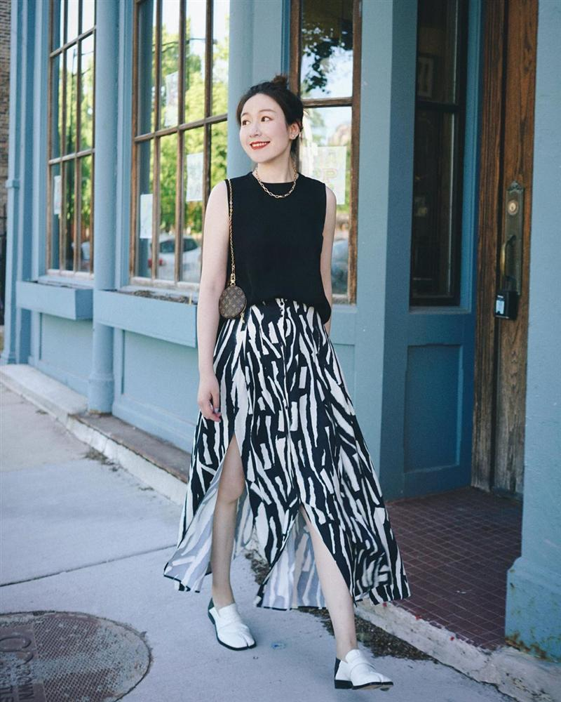 Kỳ diệu chưa: 4 mẫu chân váy sau sẽ giúp bạn cao ráo hơn ít nhất 5 phân, có khi còn kéo chân dài miên man-2