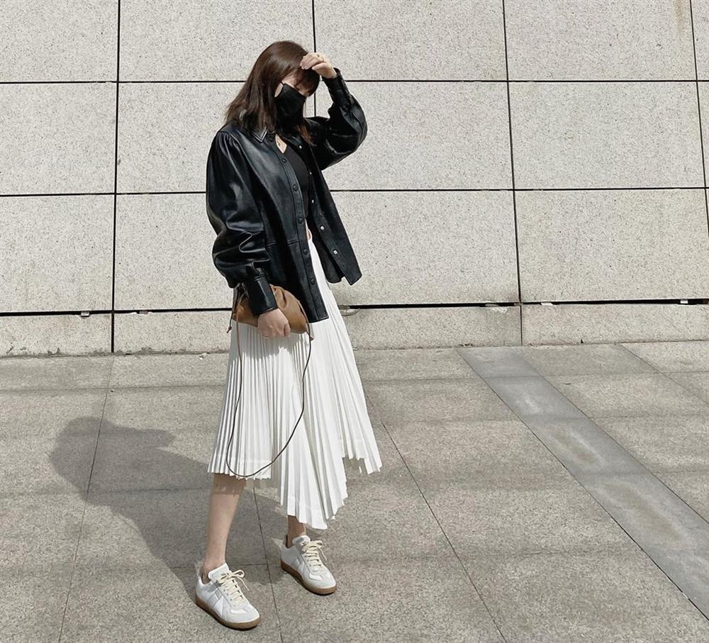 Kỳ diệu chưa: 4 mẫu chân váy sau sẽ giúp bạn cao ráo hơn ít nhất 5 phân, có khi còn kéo chân dài miên man-11