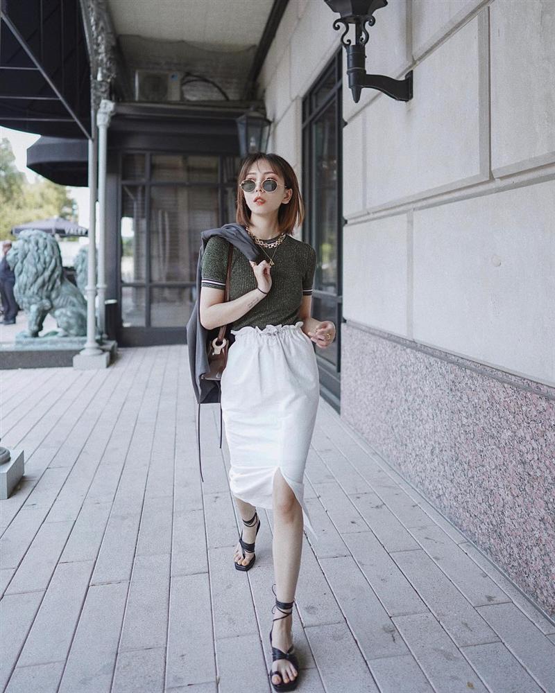 Kỳ diệu chưa: 4 mẫu chân váy sau sẽ giúp bạn cao ráo hơn ít nhất 5 phân, có khi còn kéo chân dài miên man-4