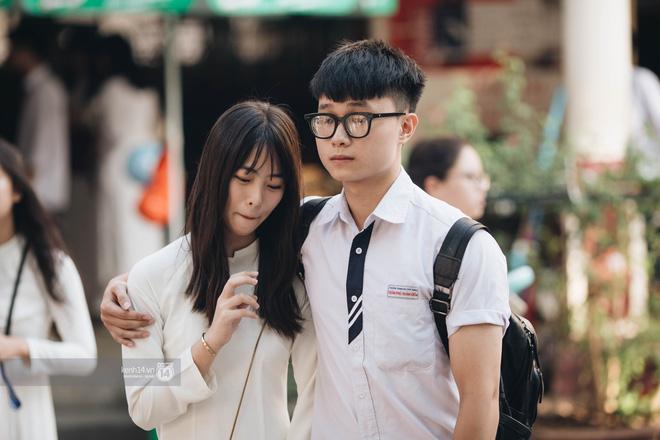 Cho dù là người yêu, tình cũ hay crush, nhất định phải chụp cùng nhau một bức ảnh thật đẹp trong ngày lễ bế giảng cuối cùng-2