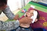 Đau lòng con trai đánh mẹ già 84 tuổi bại liệt phải nhập viện cấp cứu