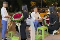 Clip: Nam thanh niên quỳ xuống cầu hôn cô gái trên vỉa hè, bị từ chối liền thẳng thừng ném nhẫn bỏ đi khiến cộng đồng mạng xôn xao