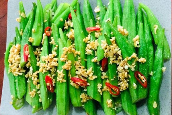Cách làm món đậu bắp xào tỏi không nhớt, xanh mướt tự nhiên-1