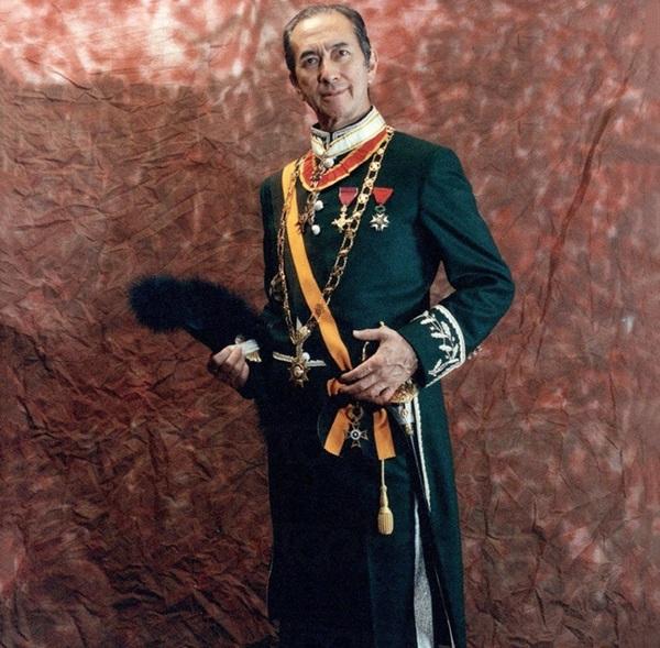Hé lộ toàn bộ nội dung trong quyển sổ lưu niệm của Vua sòng bài Macau được gửi cho những người đến viếng tang lễ-2