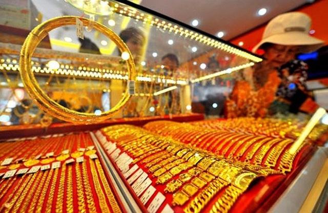 Giá vàng lên 51 triệu đồng/lượng: Nợ đột ngột tăng gấp đôi, người vay vàng khóc ròng-1
